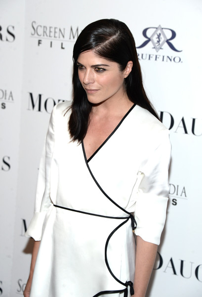 Selma Blair Rosetta Getty Wrap Dress Red Carpet Premiere Mothers and Daughters 14
