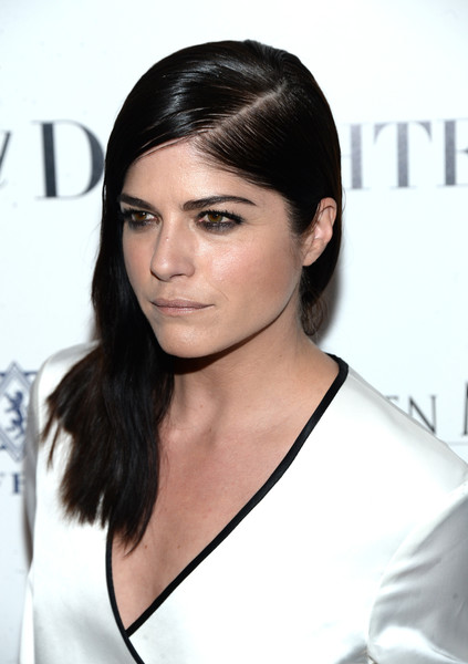 Selma Blair Rosetta Getty Wrap Dress Red Carpet Premiere Mothers and Daughters 16