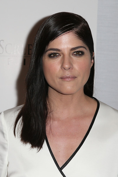 Selma Blair Rosetta Getty Wrap Dress Red Carpet Premiere Mothers and Daughters 2