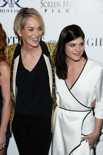 Selma Blair Rosetta Getty Wrap Dress Red Carpet Premiere Mothers and Daughters 7