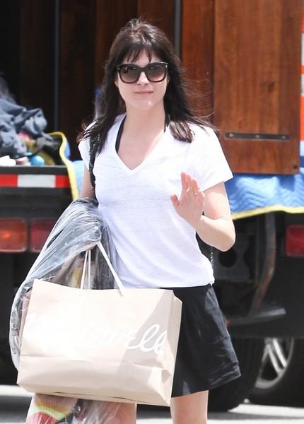Selma Blair Shopping in Beverly Hills 3
