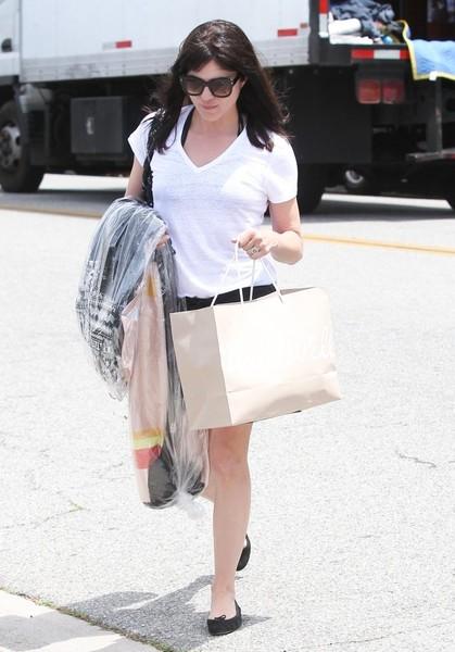 Selma Blair Shopping in Beverly Hills 5