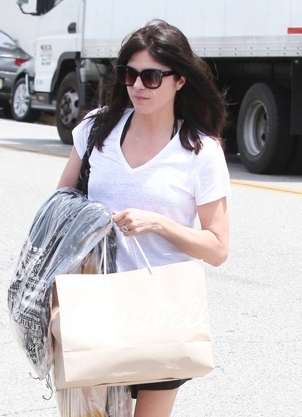 Selma Blair Shopping in Beverly Hills 6