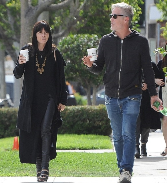Selma Blair Coffee Stop With A Friend 3
