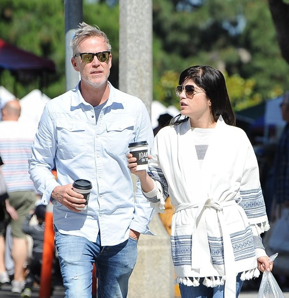 Selma Blair Farmers Market With Friends 2