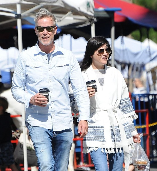 Selma Blair Farmers Market With Friends 3