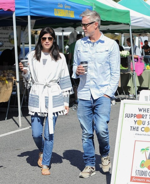 Selma Blair Farmers Market With Friends 8