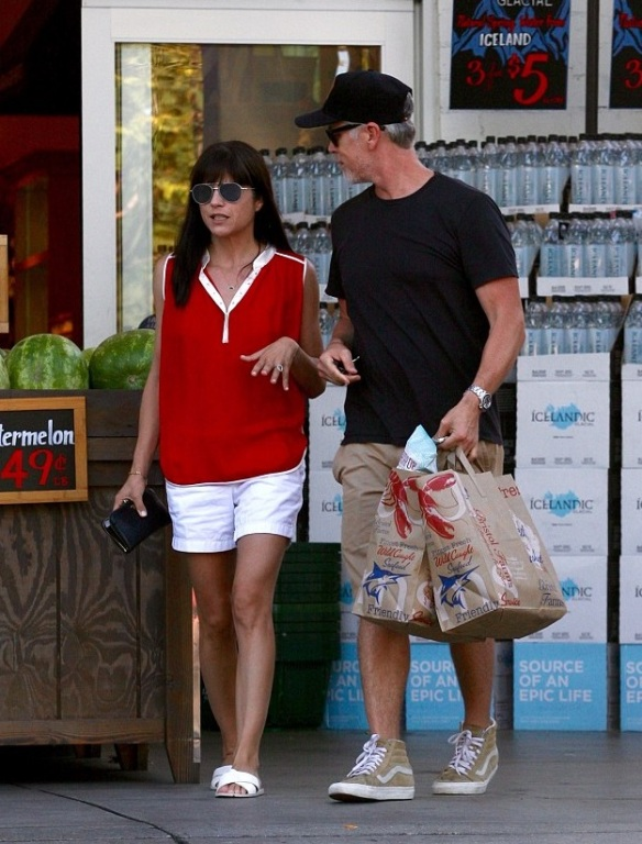 Selma Blair Runs Errands With A Friend 1