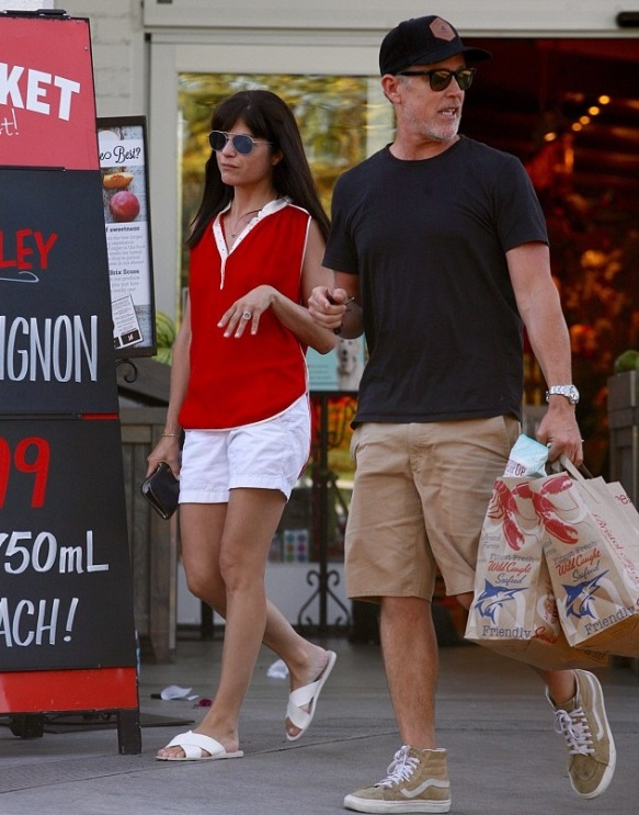 Selma Blair Runs Errands With A Friend 3
