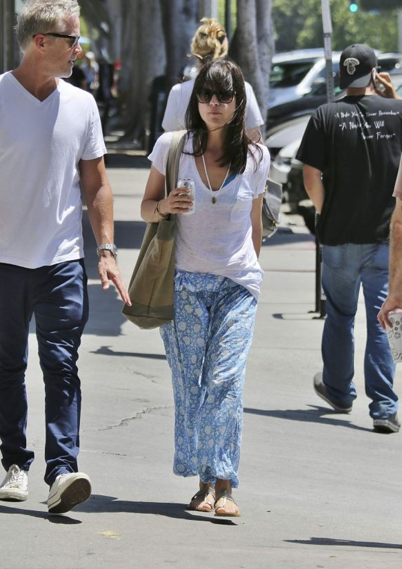 Selma Blair Walks Her Dog 3