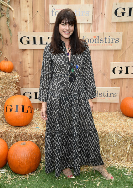 selma-blair-attends-the-gilt-foodstirs-exclusive-cupcake-kit-celebration-1