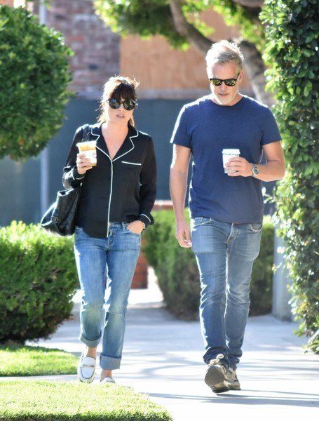 selma-blair-coffee-companions-1