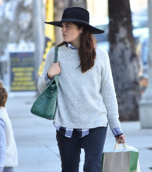 selma-blair-and-arthur-saint-bleick-shop-for-groceries-in-studio-city-5
