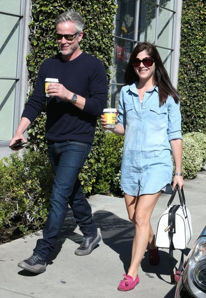 selma-blair-and-boyfriend-ron-carlson-have-lunch-at-fred-segal-1