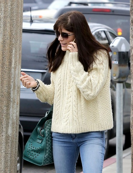 selma-blair-candids-february-6-2017-4