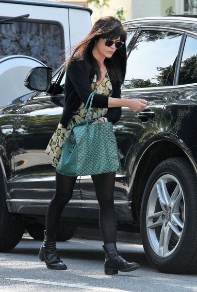 selma-blair-february-candids-7