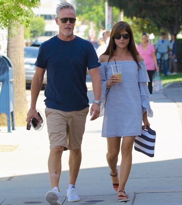 fb0a8cb04b5 Craft Shopping With Selma Blair